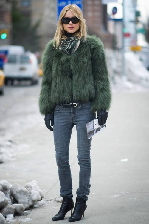 New York Fashion Week - International Street Style - Elle Magezine